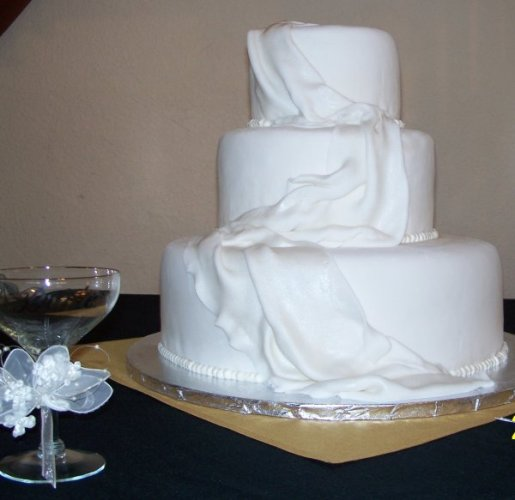 Cake Decor Without Icing : Gristmill Bakery & Deli: Wedding Cakes